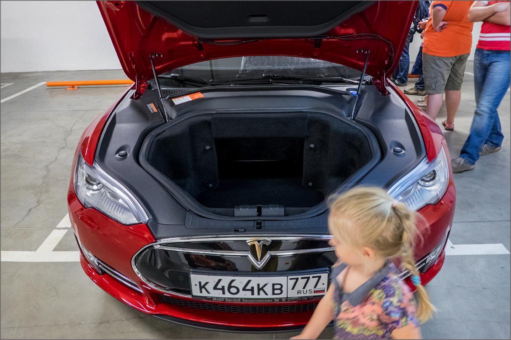 электроавтомобиль тесла цена в россии